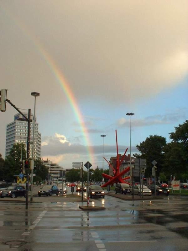 Regenbogen am Königsworther Platz