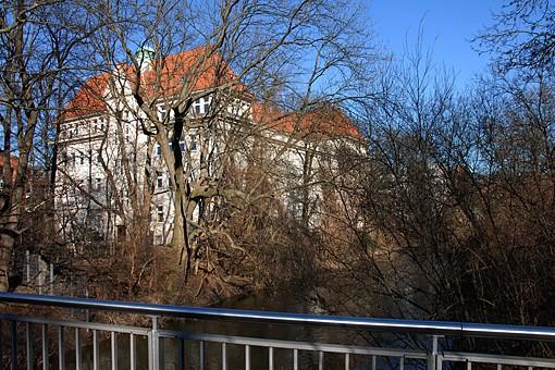 Uferweg an der Leine (Foto: Detlef René Spanka)