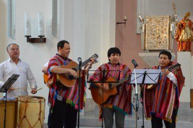 Mehrere Musikgruppen haben die Messe musikalisch begleitet. (Foto: © pkh)