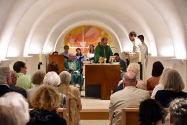 Gottesdienst in der Krypta der Basilika St. Clemens